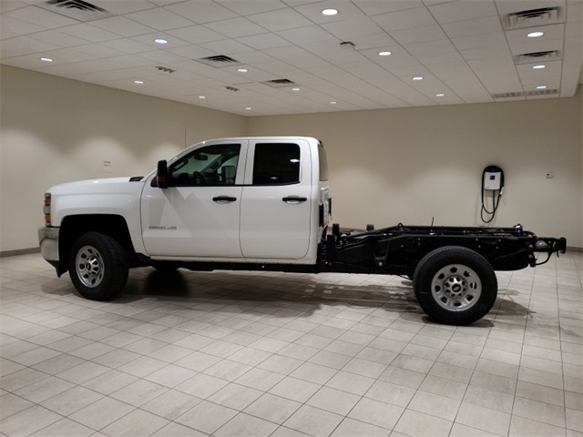 2018 Silverado 3500 Double Cab 4x4,  Cab Chassis #45379 - photo 5