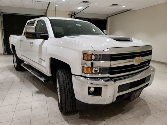 2019 Silverado 2500 Crew Cab 4x4,  Pickup #45384 - photo 3