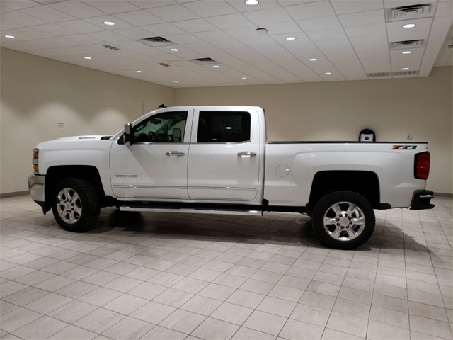 2019 Silverado 2500 Crew Cab 4x4,  Pickup #45384 - photo 5