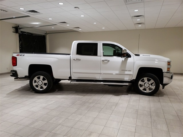 2019 Silverado 2500 Crew Cab 4x4,  Pickup #45384 - photo 8