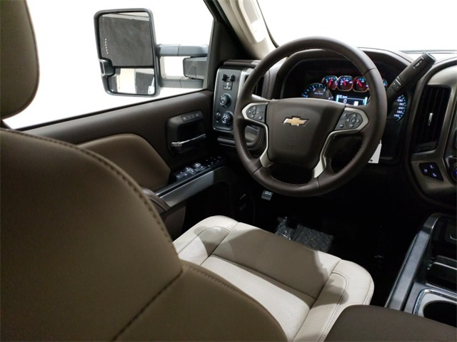 2019 Silverado 2500 Crew Cab 4x4,  Pickup #45384 - photo 9