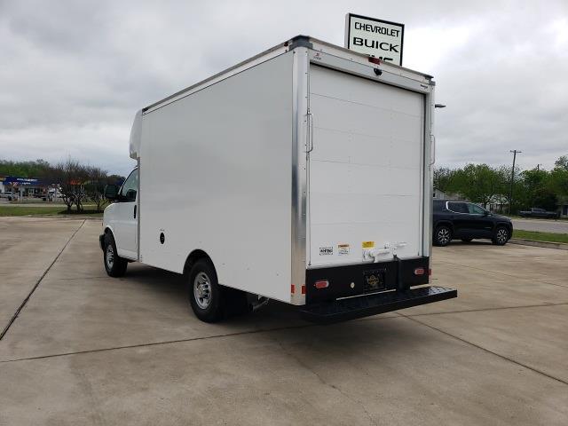 2020 Chevrolet Express 3500 4x2, Cutaway Van #47854 - photo 4