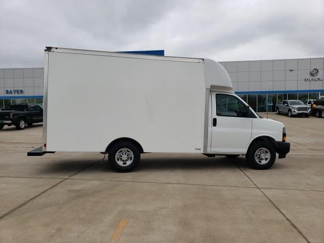 2020 Chevrolet Express 3500 4x2, Cutaway Van #47854 - photo 8