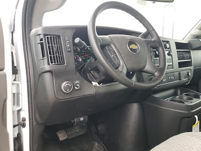 2020 Chevrolet Express 3500 4x2, Cutaway Van #47854 - photo 9