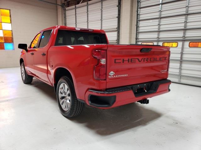 2020 Chevrolet Silverado 1500 Crew Cab 4x2, Pickup #47936 - photo 2