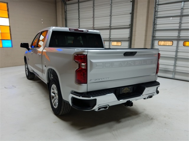 2021 Chevrolet Silverado 1500 Crew Cab 4x4, Pickup #48411 - photo 2