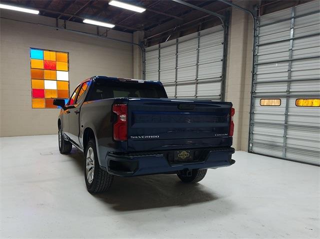 2021 Chevrolet Silverado 1500 Crew Cab 4x2, Pickup #48470 - photo 2