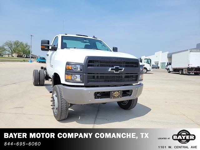 2021 Chevrolet Silverado 6500 Regular Cab DRW 4x4, Cab Chassis #48755 - photo 3