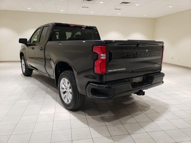 2021 Chevrolet Silverado 1500 Double Cab 4x2, Pickup #48759 - photo 2