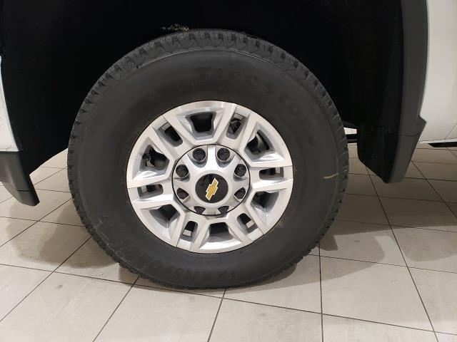 2021 Chevrolet Silverado 2500 Crew Cab 4x4, Pickup #48908 - photo 18