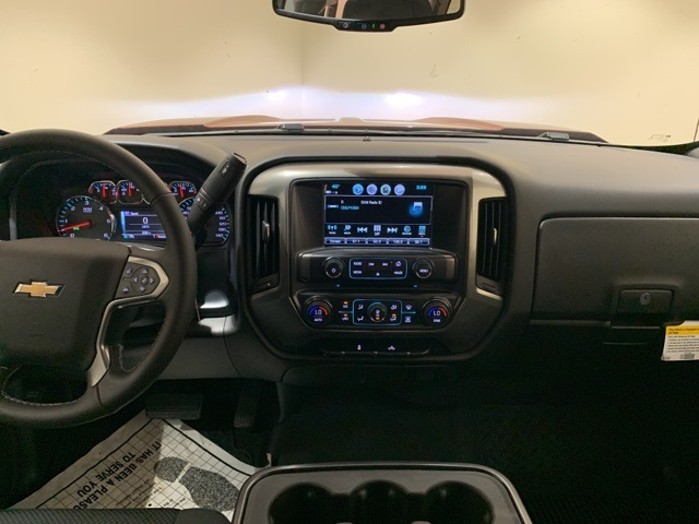 2018 Silverado 1500 Crew Cab 4x2,  Pickup #B1063 - photo 10