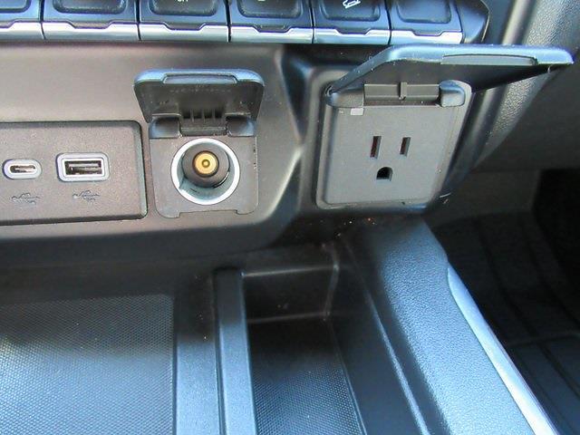 2020 Chevrolet Silverado 1500 Crew Cab 4x4, Pickup #B1573 - photo 27
