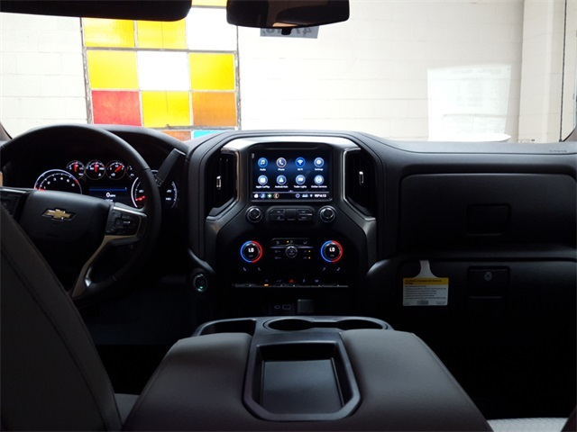 2020 Chevrolet Silverado 1500 Crew Cab 4x4, Pickup #47918 - photo 10