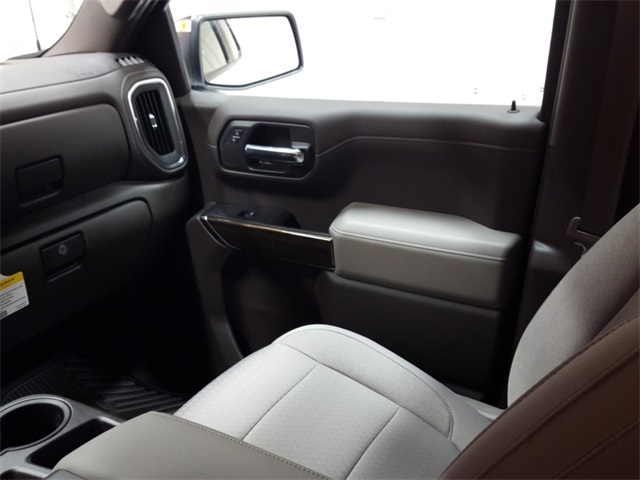 2020 Chevrolet Silverado 1500 Crew Cab 4x4, Pickup #47918 - photo 11