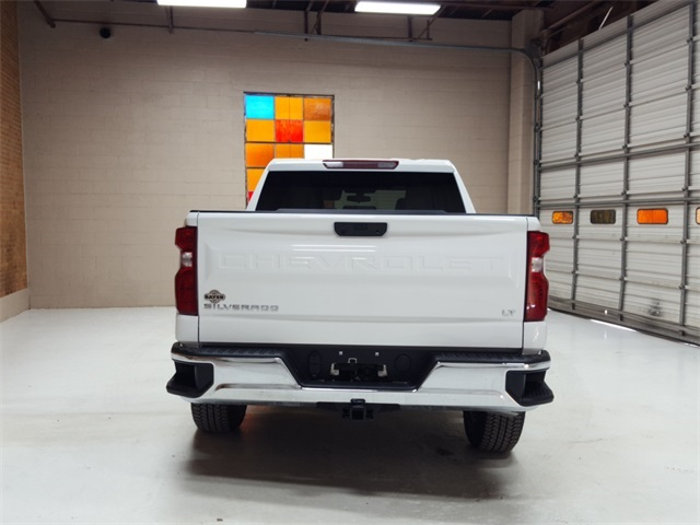 2020 Chevrolet Silverado 1500 Crew Cab 4x4, Pickup #47918 - photo 4