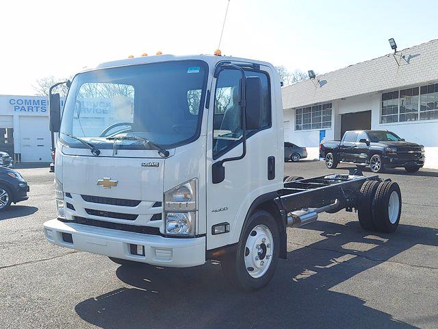 2021 Chevrolet Low Cab Forward 4x2, Cab Chassis #201250 - photo 4