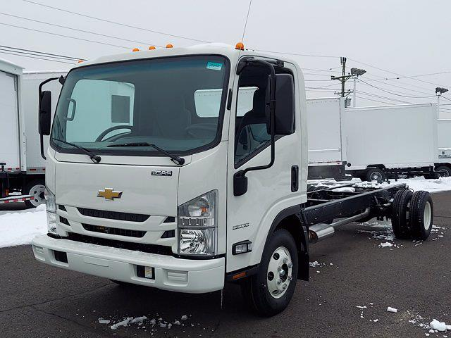 2020 Chevrolet Low Cab Forward 4x2, Cab Chassis #208948 - photo 3
