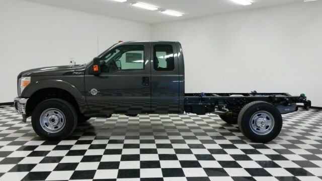 2016 F-350 Super Cab 4x4, Cab Chassis #F17712 - photo 2