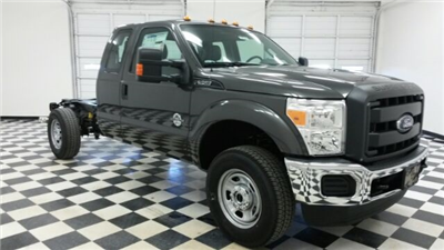 2016 F-350 Super Cab 4x4, Cab Chassis #F17712 - photo 3