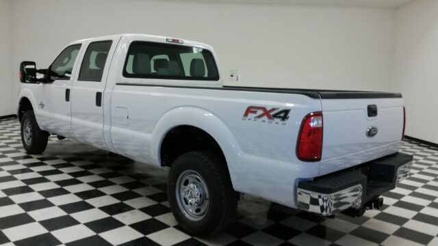 2016 F-250 Crew Cab 4x4, Pickup #F17910 - photo 2