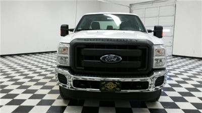 2016 F-250 Crew Cab 4x4, Pickup #F17910 - photo 4