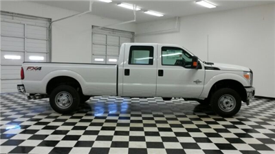2016 F-250 Crew Cab 4x4, Pickup #F17910 - photo 8
