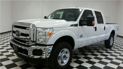 2016 F-250 Crew Cab 4x4, Pickup #F18019 - photo 4