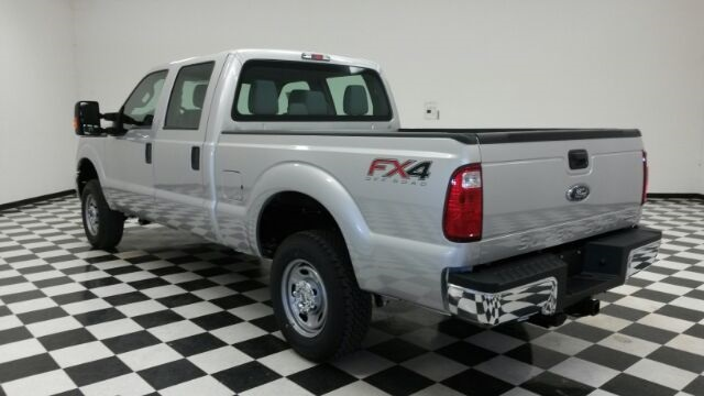 2016 F-250 Crew Cab 4x4, Pickup #F18199 - photo 2