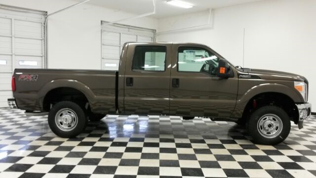 2016 F-250 Crew Cab 4x4 Pickup #F18204 - photo 8