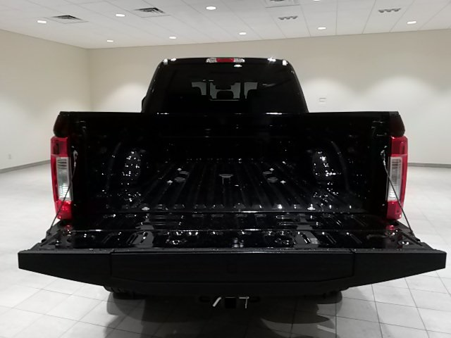 2018 F-350 Crew Cab 4x4,  Pickup #F20036 - photo 19