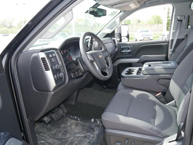 2018 Silverado 2500 Crew Cab 4x4, Pickup #T24732 - photo 3