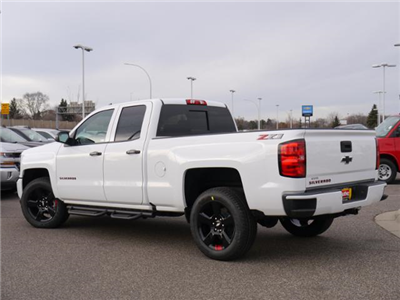 2018 Silverado 1500 Extended Cab 4x4 Pickup #T24778 - photo 2