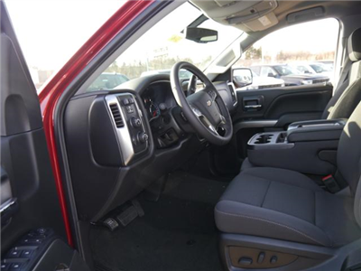 2018 Silverado 1500 Crew Cab 4x4, Pickup #T24796 - photo 3