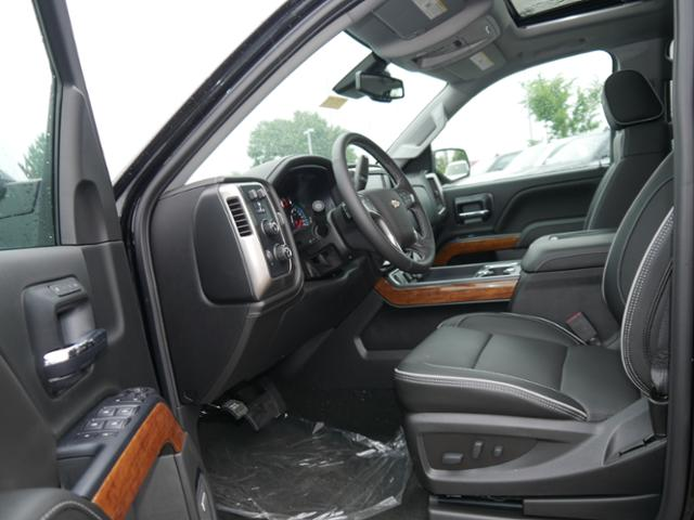 2018 Silverado 1500 Crew Cab 4x4,  Pickup #T25106 - photo 3