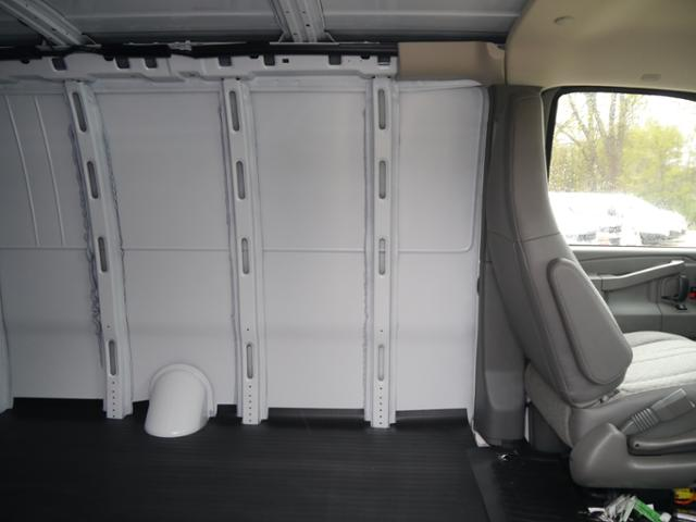 2017 Express 3500 Cargo Van #T5618 - photo 5