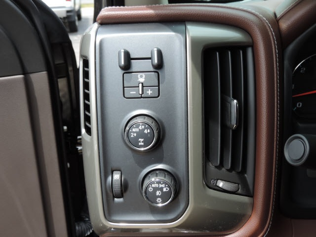 2016 Silverado 1500 Crew Cab 4x4, Pickup #16280 - photo 16