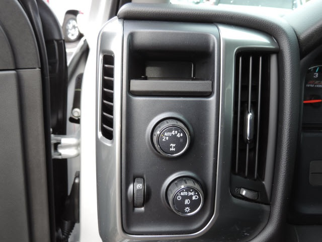 2017 Silverado 1500 Crew Cab 4x4, Pickup #17080 - photo 32