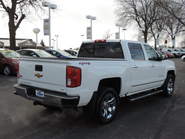 2017 Silverado 1500 Crew Cab 4x4, Pickup #17116 - photo 7
