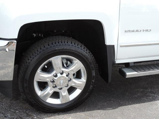 2017 Silverado 2500 Crew Cab 4x4, Pickup #17162 - photo 7