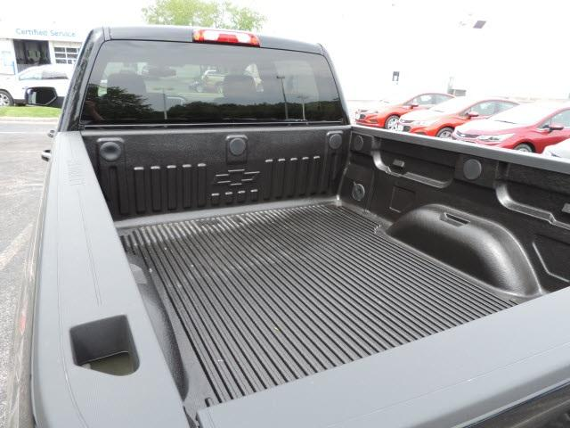 2017 Silverado 2500 Crew Cab 4x4, Pickup #17210 - photo 8