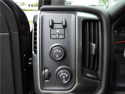 2017 Silverado 2500 Crew Cab 4x4 Pickup #17210 - photo 15