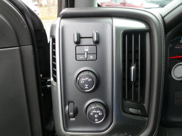 2017 Silverado 1500 Crew Cab 4x4 Pickup #17253 - photo 15