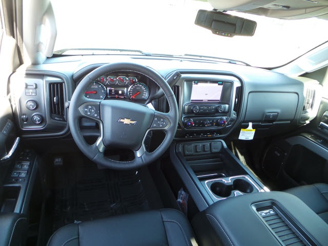 2018 Silverado 2500 Crew Cab 4x4, Pickup #18204 - photo 10