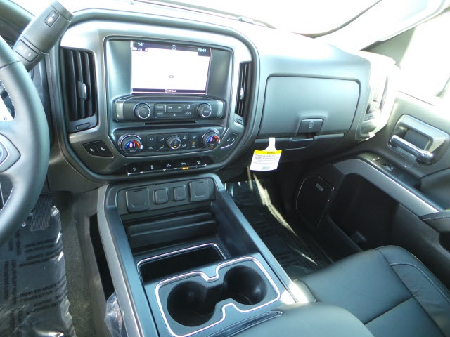 2018 Silverado 2500 Crew Cab 4x4, Pickup #18204 - photo 17