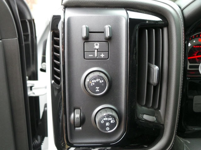 2018 Silverado 1500 Crew Cab 4x4,  Pickup #18215 - photo 25