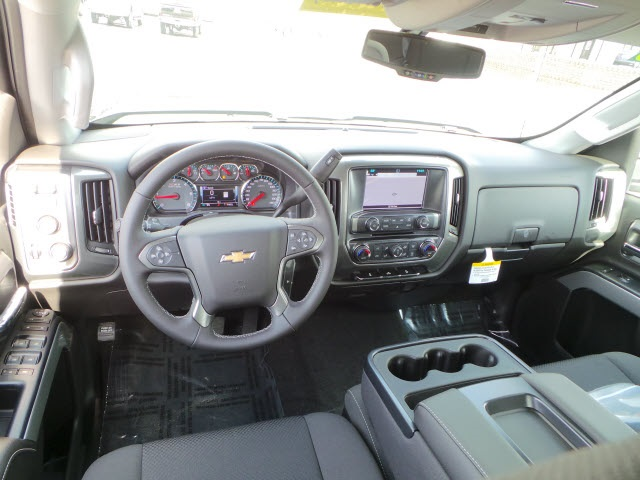 2018 Silverado 2500 Double Cab 4x4, Pickup #18218 - photo 10