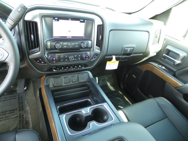 2018 Silverado 2500 Crew Cab 4x4, Pickup #18229 - photo 17