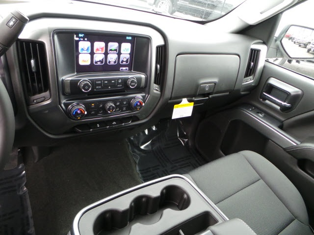 2018 Silverado 1500 Crew Cab 4x4,  Pickup #18267 - photo 16