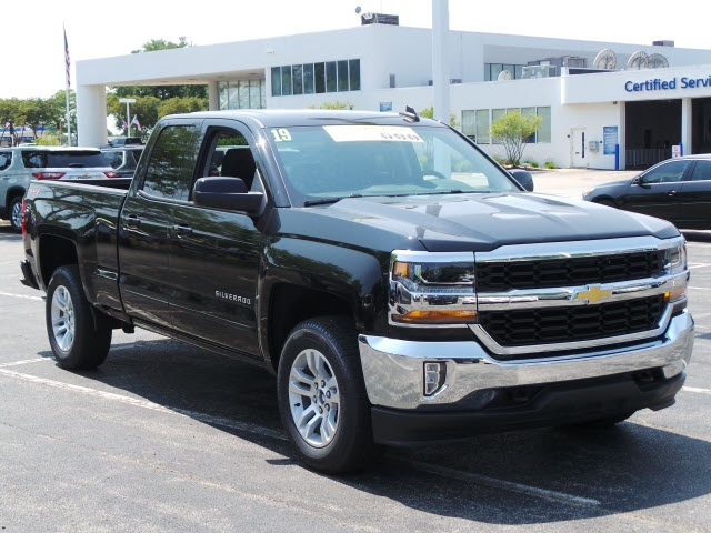 2019 Silverado 1500 Double Cab 4x4,  Pickup #19000 - photo 3