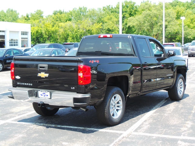 2019 Silverado 1500 Double Cab 4x4,  Pickup #19000 - photo 4